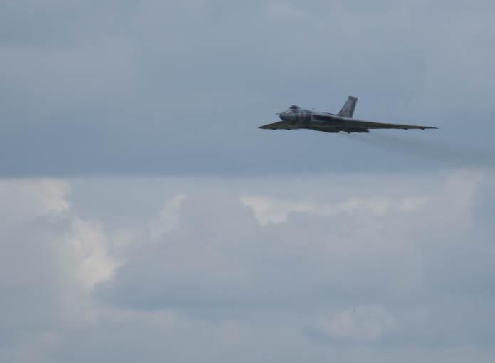 Vulcan XH558 on farewell tour