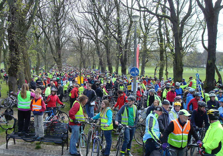 Photo of crowds from the first Pedal on Parliament