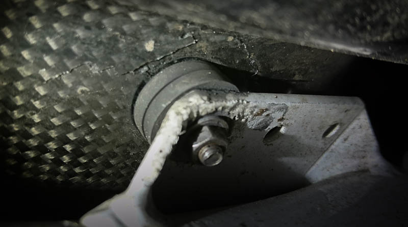 A cracked Metabike seat